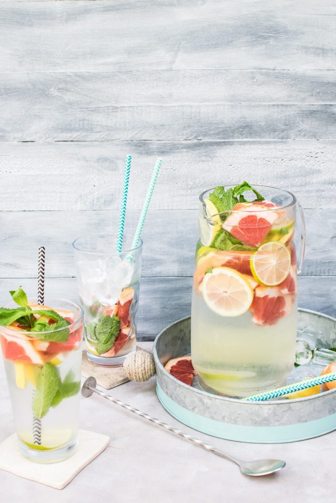 summer cocktails with reusable straws