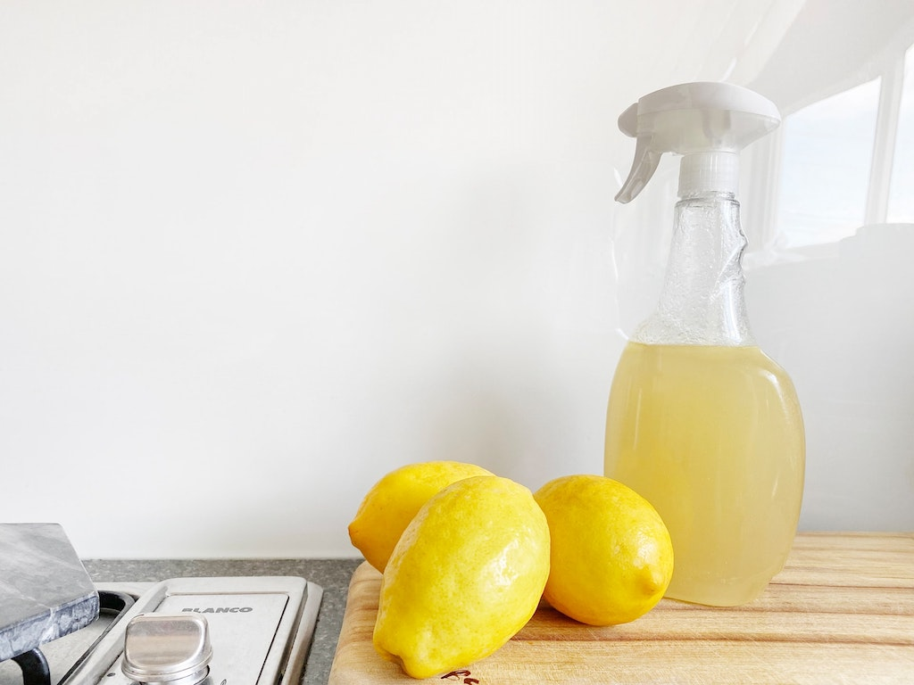 eco cleaning lemon