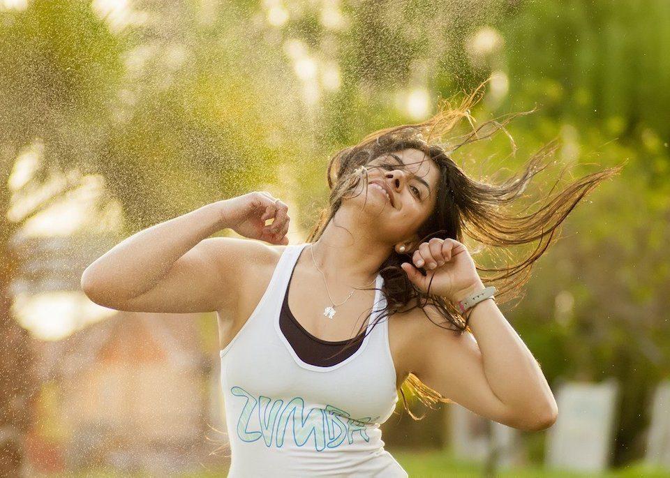woman dancing zumba